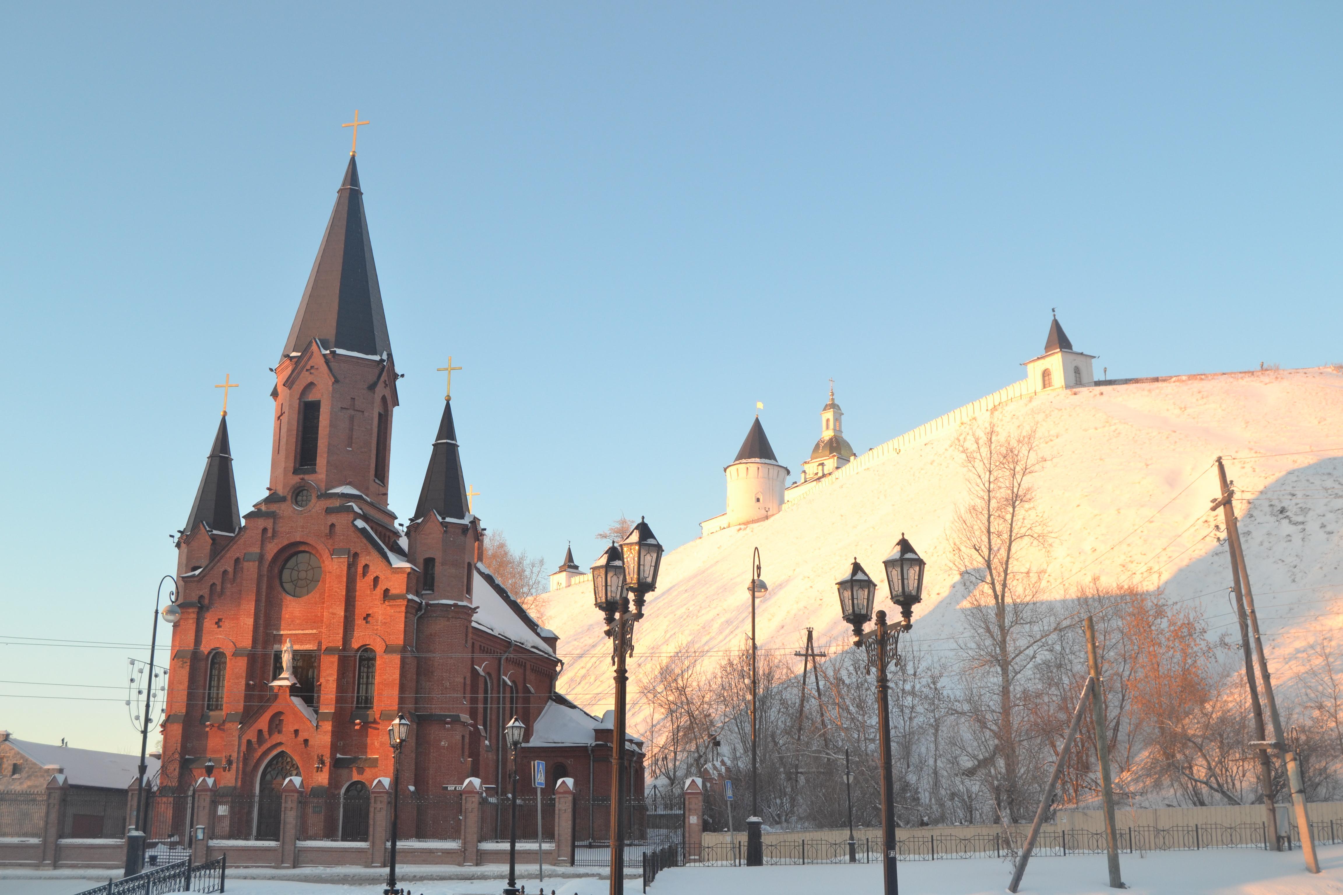 Catholic_church_Tobolsk_and_kremlin