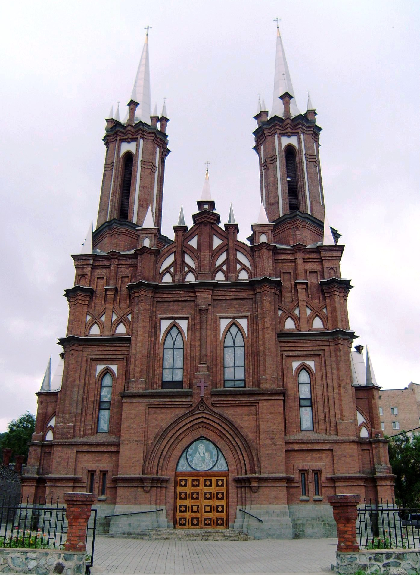 Vladivostok_Catholic_Cathedral
